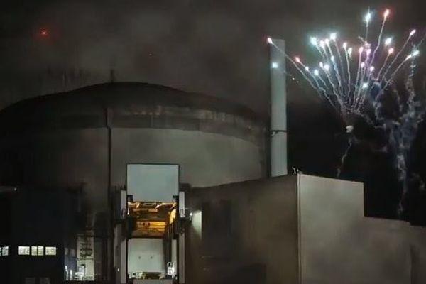 Les militants avaient tiré un feu d'artifice dans l'enceinte de la centrale
