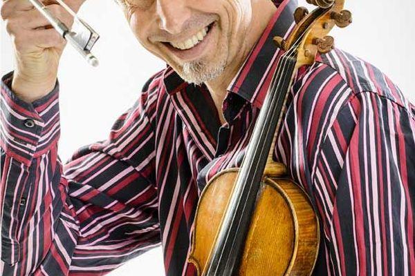 Gilles Apap sera accompagné des musiciens de l'APAP STRING FOLIES