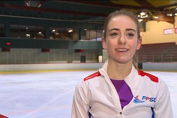 La jeune patineuse sera plongé dans le grand bain dès vendredi 23 novembre sur la glace de la patinoire de Grenoble