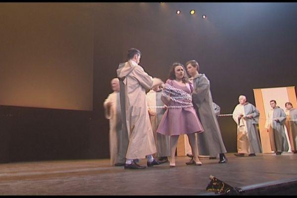 La Flûte enchantée de Mozart sur la scène du Zénith d'Orléans (Loiret)