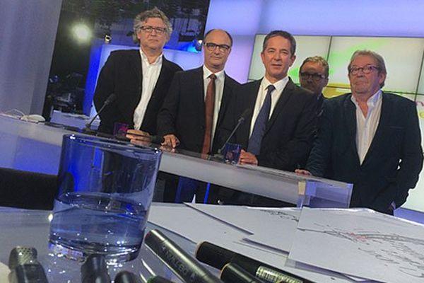 Michel Onfray, Michel De Decker et Pascal Buléon sur le plateau de La voix est libre