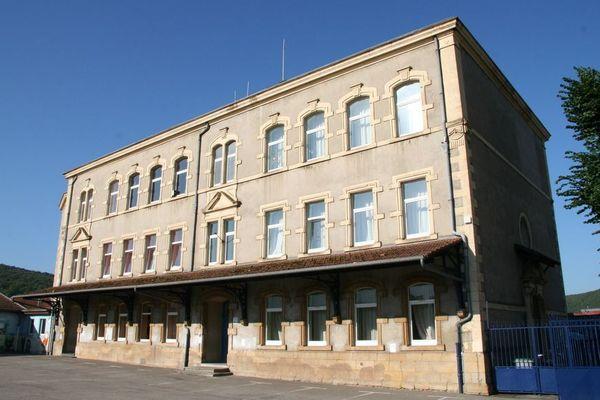 Ecole du centre de Moyeuvre-Grande. Réouverture des écoles à partir du 11 mai.