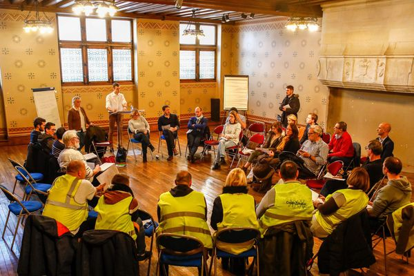 Une discussion autour du grand débat national, mairie d'Arras, 19 janvier 2019.