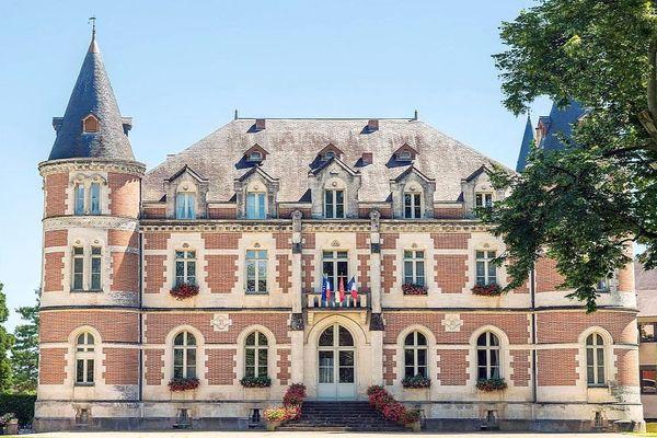 Le château de Montauriol, siège du Conseil départemental du Tarn-et-Garonne - archives