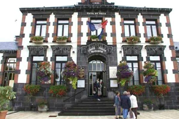 L'Hôtel de Ville de Saint-Eloy-les-mines, dans le Puy-de-Dôme, ouvrait grand ses portes samedi.