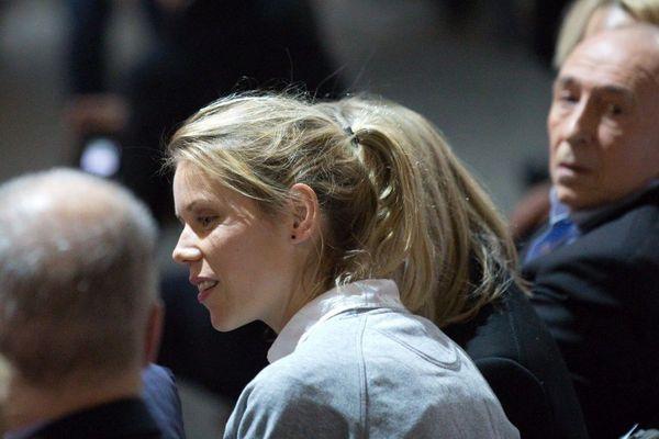 Tiphaine Auziere, lors d'un meeting d'En Marche à Lyon en février 2017 aux côtés du maire lyonnais Gérard Collomb.