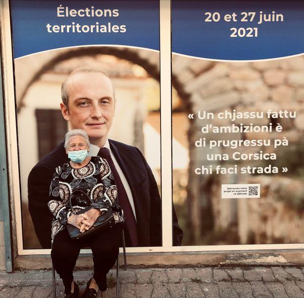 La permanence de Laurent Marcangeli et de la liste Un Soffiu Novu, à Bastia.