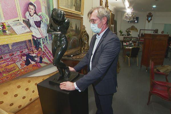 Eve, la sculpture de Rodin , est à vendre à Lyon, dans des enchères en ligne sur internet, pour un prix de départ estimé à 400.000 euros.