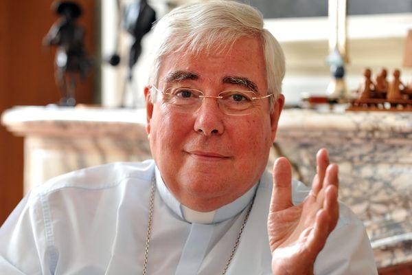 Monseigneur François Garnier était l'archevêque de Cambrai.