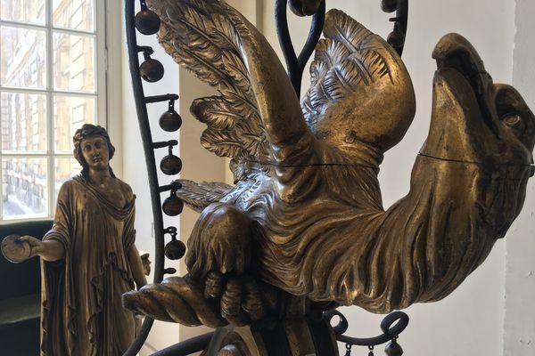 L'aigle figurant sur le devant du traîneau ayant probablement appartenu à l'impératrice Joséphine