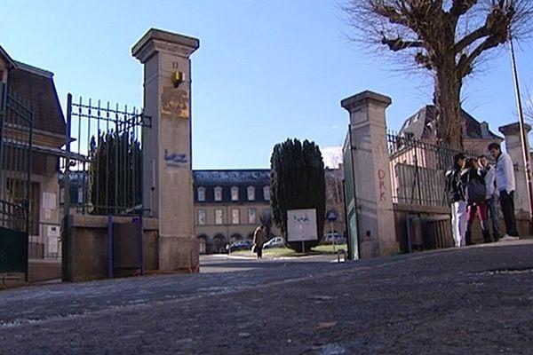 Décembre 2010 : le lycée Condorcet à Belfort sous le choc de la mort de Pierre Nasica, un de ses élèves
