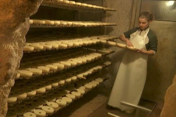 La production de reblochon n'a pas faibli à la ferme des Corbassières, à la Clusaz.