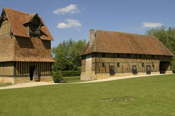 Le colombier du château de Crèvecoeur-en-Auge