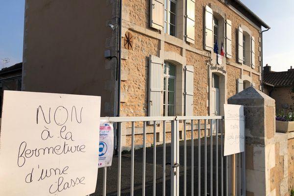 Les parents d'élèves refusent la fermeture d'une de leurs classes