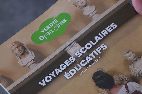 Les agences spécialisées qui proposent des catalogues très variés de voyages scolaires, voient leur activité complètement paralysée par l'interdiction promulguée par le gouvernement français.