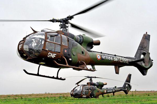 Un hélicoptère Gazelle du 3RHC(3ème régiment d'hélicoptères de combatd'Étain)