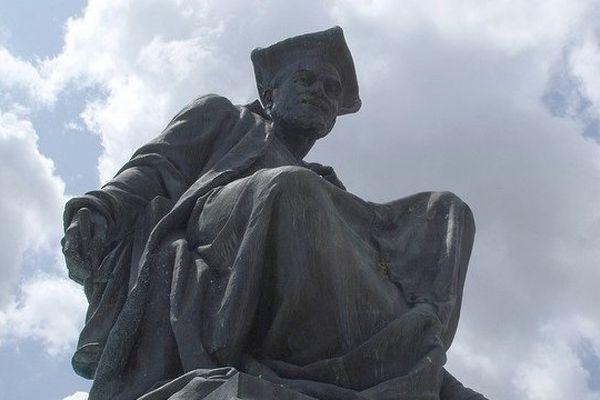 Statue de François Rabelais