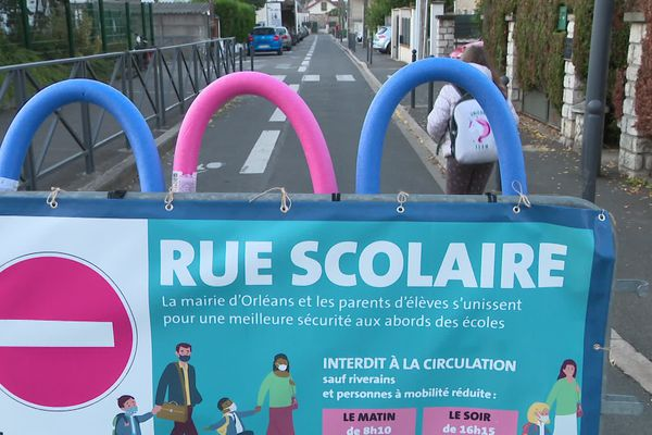 """La première """"rue scolaire"""" à Orléans (Loiret) est en expérimentation dans le quartier de l'Argonne"""
