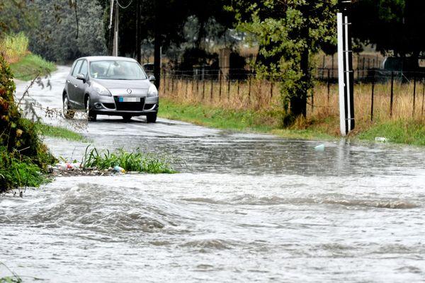 Plusieurs routes sont coupées car elles sont inondées dans le département du Tarn-et-Garonne.