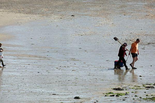 Pas de pêche à pied pendant ces grandes marées en raison du confinement.