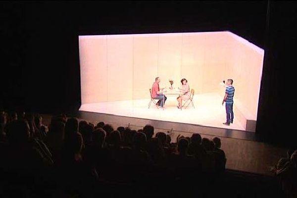"""""""Orphelins"""" de Dennis Kelly hier soir au théâtre du Cloître de Bellac"""