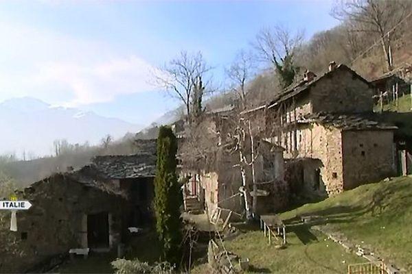 Le hameau de Gilli, au dessus de Pinerolo