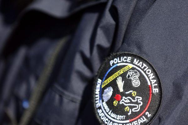 Trois suspect seraient en fuite en Algérie.