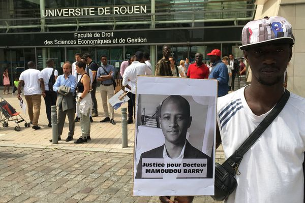 Rouen le 26 juillet 2019 au départ de la marche blanche pour Mamoudou Barry devant la fac de Droit