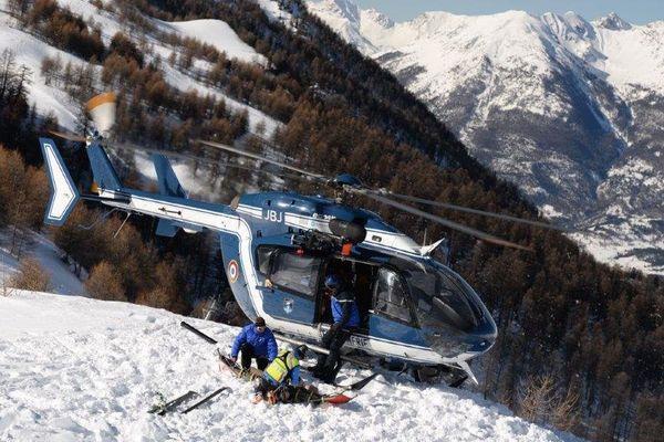 Les gendarmes du PGHM de Briançon lors d'un secours ce mardi 21 février