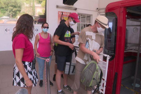 Masque obligatoire à bord du téléphérique du mont Faron.