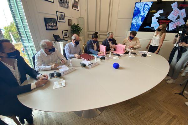 Signature de la convention entre le Festival de Cannes, la mairie de Cannes et le Centre national du cinéma et de l'image animée.