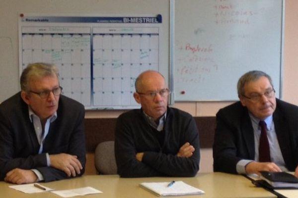 Pierre Laurent (PC) aux côtés de Gérard Sénécal délégué CGT de Chapelle d'Harblay le jeudi 12 février 2015.