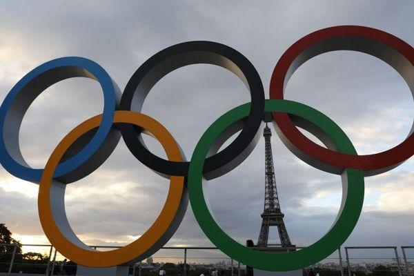 Paris désormais ornée d'anneaux olympiques. Photo d'illustration.