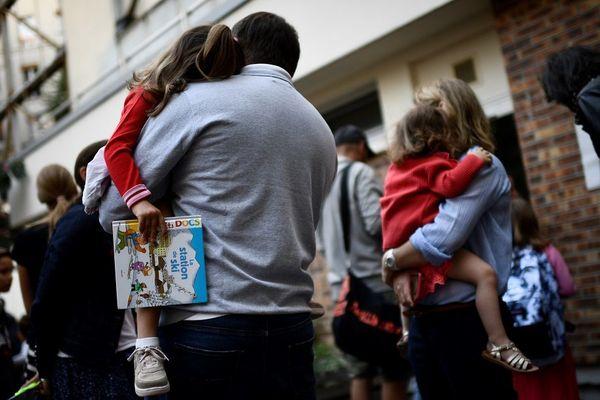 Après le passage en stade 3 dans l'épidémie de Coronavirus COVID-19, la préfecture de l'Allier a pris des mesures pour l'accueil des jeunes enfants de 0 à 3 ans. Les établissements seront fermés. Un service de garde est organisé dans certains cas.