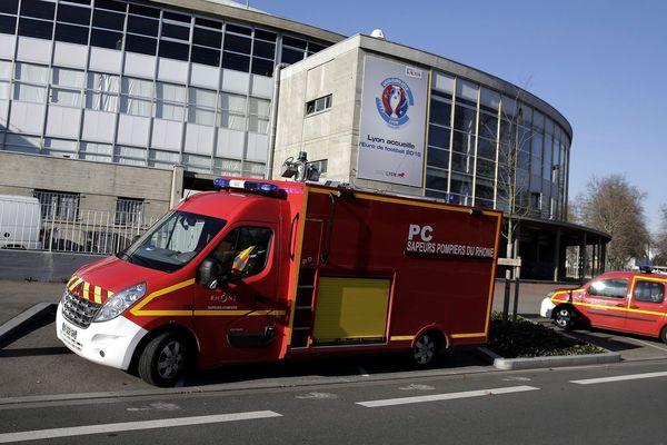 Photo d'archive. Pompiers en intervention au Port Edoudard Herriot (Lyon).