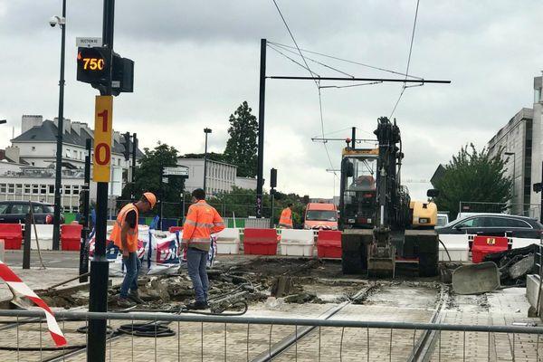 Les travaux ont commencé ce lundi 10 juillet sur les lignes 2 et 3 du tramway nantais