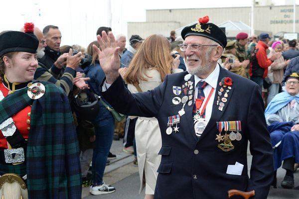 """Pour le 75e anniversaire, Caen a voulu faire les choses en grand. """"C'est la dernière occasion d'accueillir nos vétérans en nombre relativement important, ceux à qui nous devons notre liberté"""", a déclaré Joël Bruneau, le maire de Caen."""