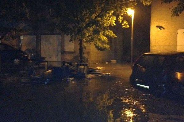 Grabels (Hérault) - un lotissement inondé et coupé du monde - 7 octobre 2014.