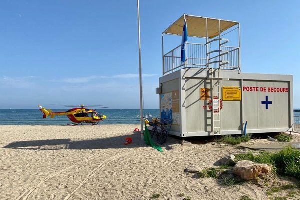 Palavas (Hérault) - la plage et le poste de secours - juillet 2020.
