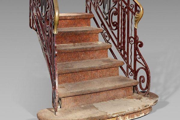 Escalier d'un restaurant parisien (XIIe)