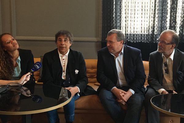 Laurent Voulzy en conférence de presse