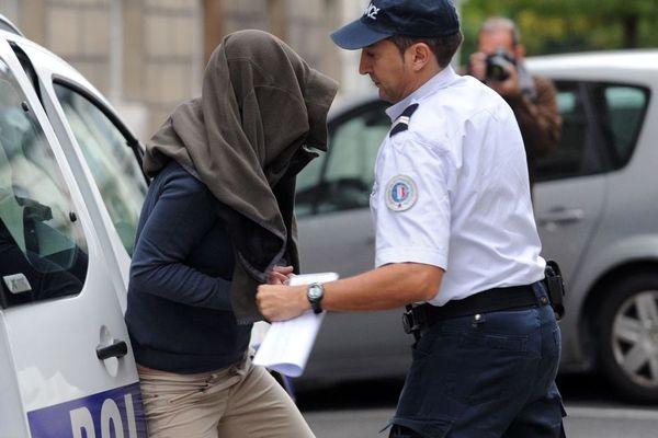 Helga Wauters présentée chez le juge le 14 octobre 2014 au tribunal de Pau.