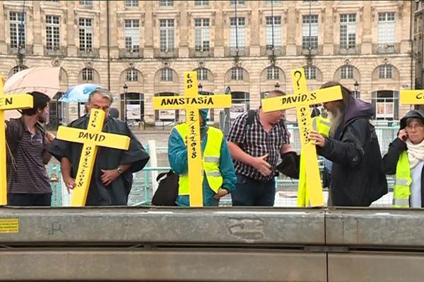 """Les gilets jaunes """"mutilés"""" se sont rassemblés ce dimanche 22 septembre 2019 pour protester contre les violences policières."""
