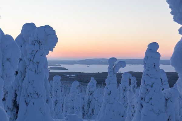 Aïlo : une odyssée en Laponie a été tourné sur quatre saisons de mai 2017 à juin 2018