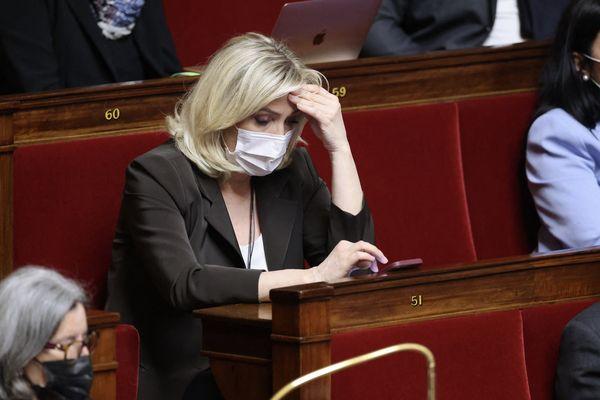 Marine Le Pen à l'Assemblée Nationale. En tant que parlementaire, elle a demandé un rendez-vous au directeur de la sécurité publique de Bordeaux ce mercredi à l'occasion de la mobilisation des policiers.