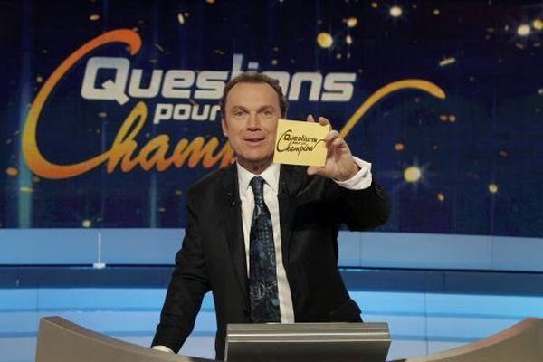 Julien Lepers, anime l' émission depuis 25 ans