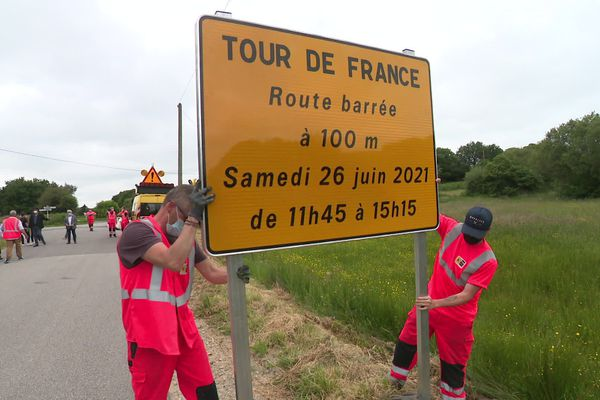 Dans le Finistère, les agents du Département sortent le grand braquet pour préparer le passage du Tour de France