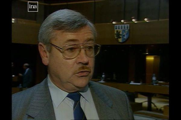 Charles Miossec, lors d'un reportage en 1996