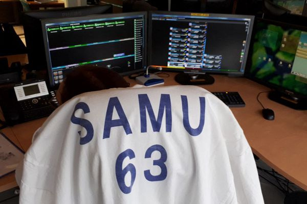 Depuis ce vendredi 28 mai, les assistants de régulation médicale du SAMU de Clermon-Ferrand sont en grève.
