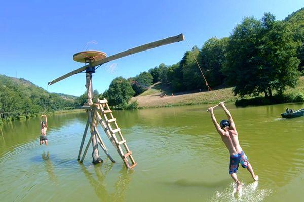 La nouvelle vidéo des MadCow a été tournée à Saint-Chamant, dans le Cantal toujours.